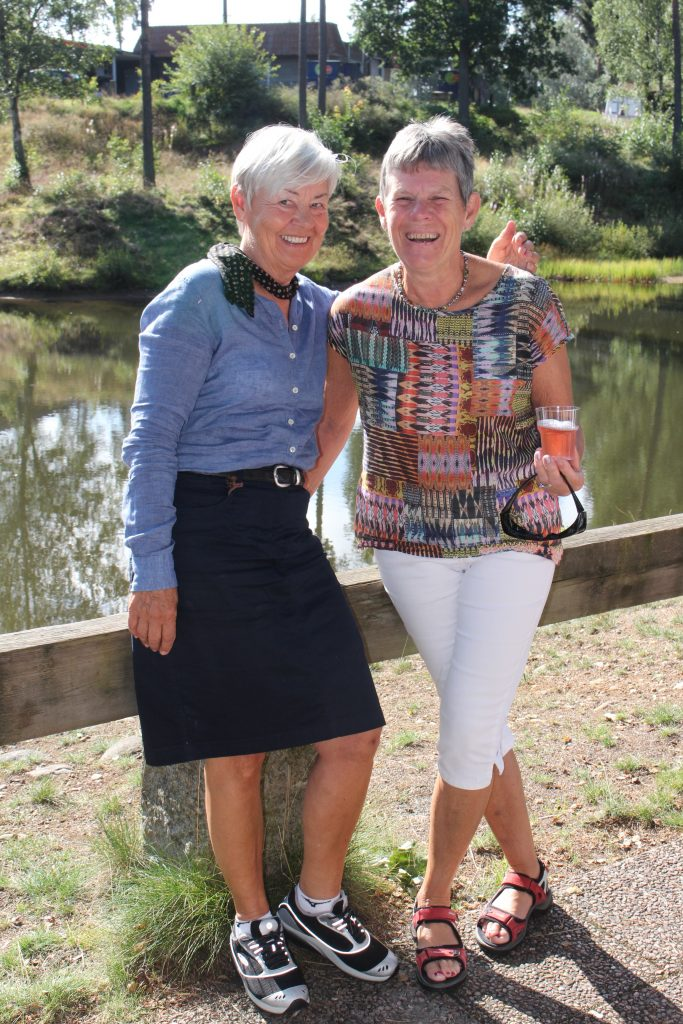 2 glada systrar: Sy Katarina och Sy Kerstin.