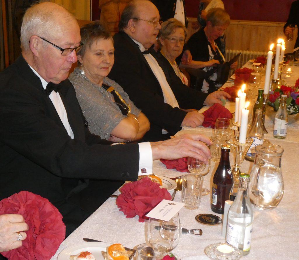Ena änden av honnörsbordet. Br Sixten, Sy Anna-Brita och Br Sven-Olov Stigsson.